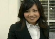 ヘンリー塚本長澤エミリ同僚のОL宅に押しかけて、お風呂に入れてください